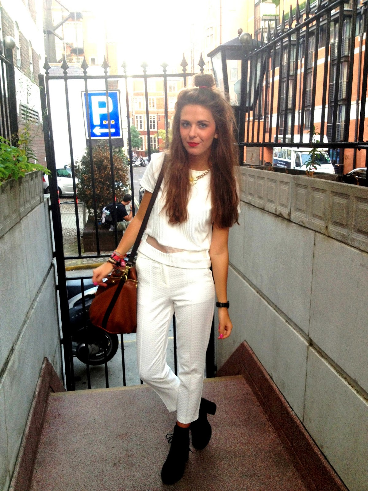white_on_white_blogger_oufit