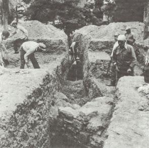 Δοκιμαστική τομή στο Αμφείον την περίοδο των ανασκαφών του Θεόδωρου Σπυρόπουλου