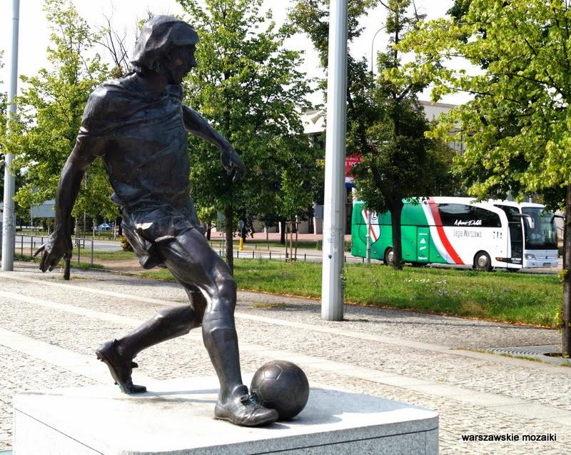 piłka nożna rzeźba Tomasz Radziewicz Legia Warszawa Kazimierz Deyna piłkarz Łazienkowska stadion pepsi arena