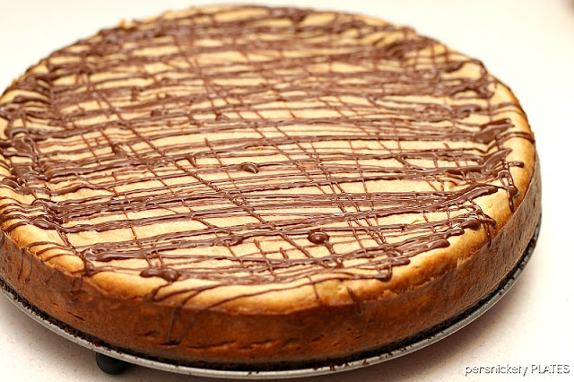 Brownie Bottom Peanut Butter Cheesecake {Persnickety Plates}