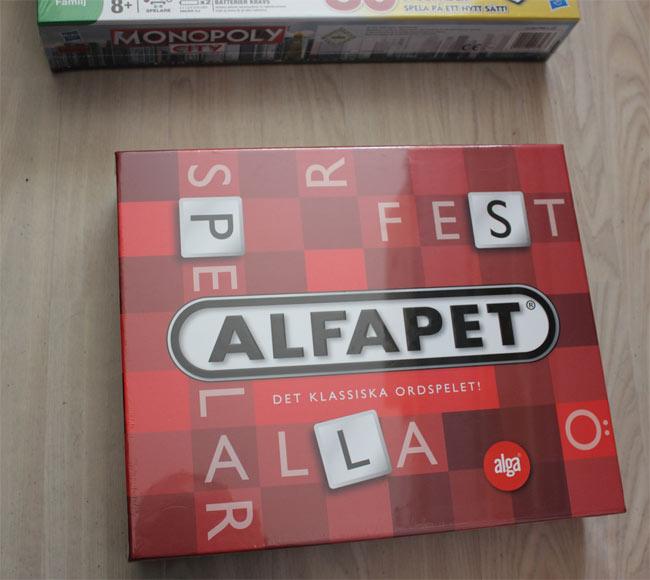 Klassiska ordspelet Alfapet. Riktigt skoj spel och tränar dig på ord!