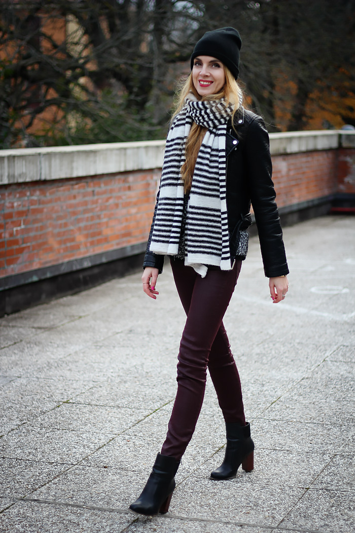 striped scarf, leather jacket, beanie, fall outfit, fashion