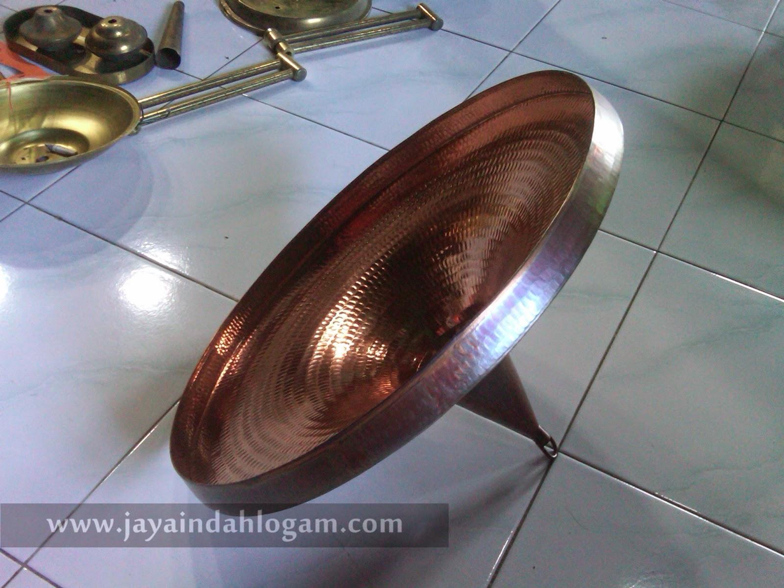 http://www.jayaindahlogam.com/2014/09/kerajinan-tembaga-lampu-gantung.html