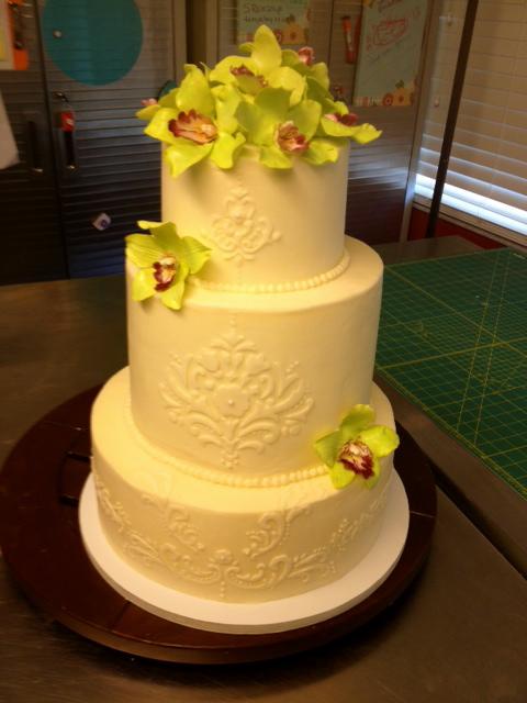 Sweet T\'s Cake Design: Orchid Damask Scroll Design 3 Tier Wedding Cake