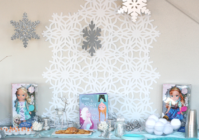 Frozen Themed Table Setting & A Frozen Inspired Birthday Party ...