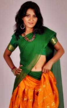 nachite movie heroine angel agarwal half saree stills8