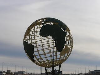 """La Bola del Mundo PTR -- Parque Tecnológico de Reciclado """"López Soriano"""" Zaragoza"""