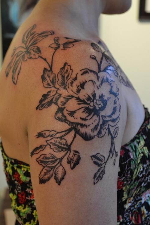 Black and White Flower Shoulder Tattoos