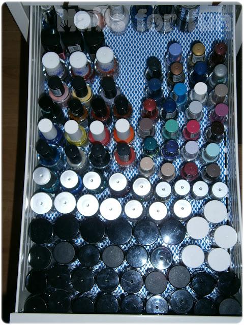 Slike vaših lakova,cirkona,sličica za nokte PB020005