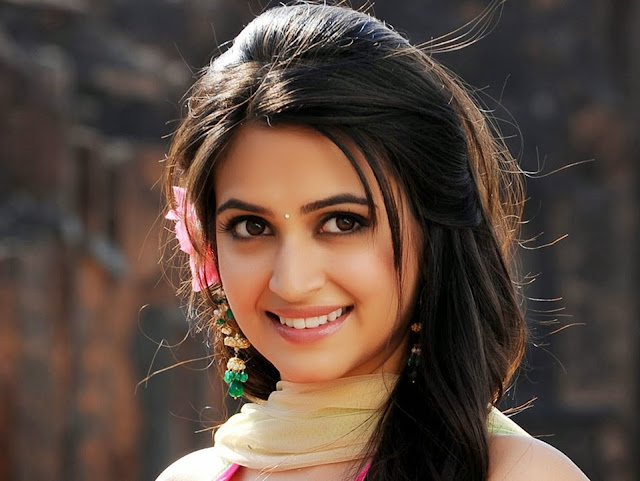 Kriti Kharbanda HD Wallpaper