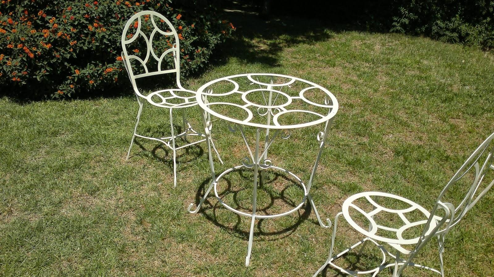 Imagenes de muebles metalicos artesanales for Pedestales metalicos para mesas