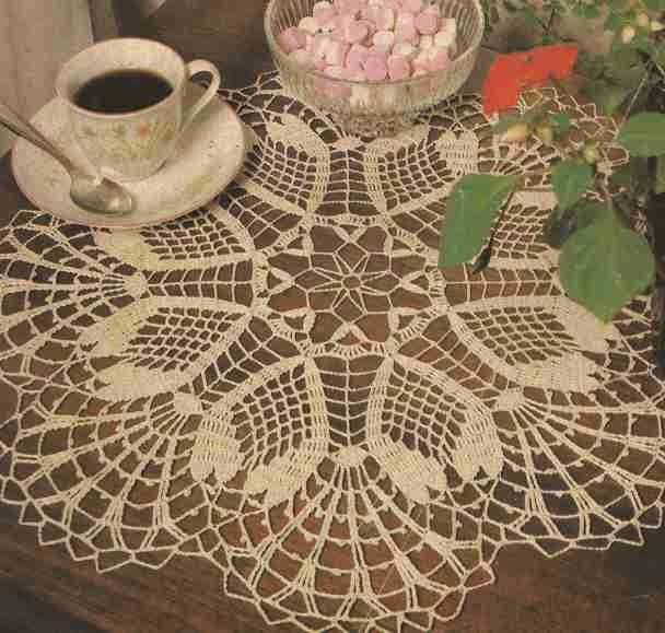 Centro de mesa color crudo a Crochet