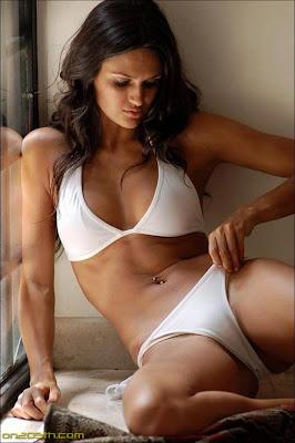 Leryn Franco desnuda