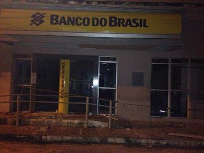 Bandidos explodem agencia do Banco do Brasil em Barreira Ceará