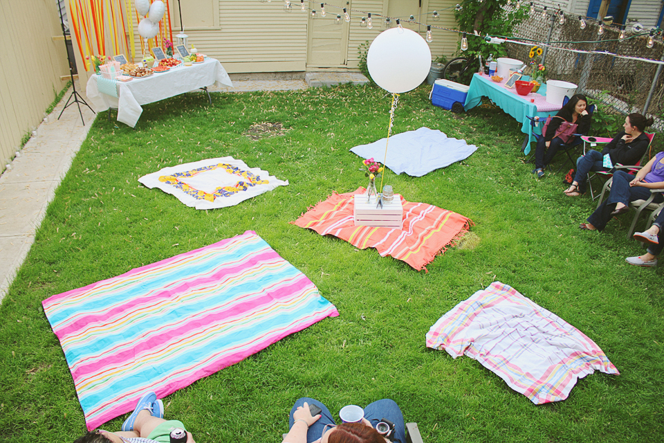 This Backyard Picnic Party Just Might Have To Become An Annual Event