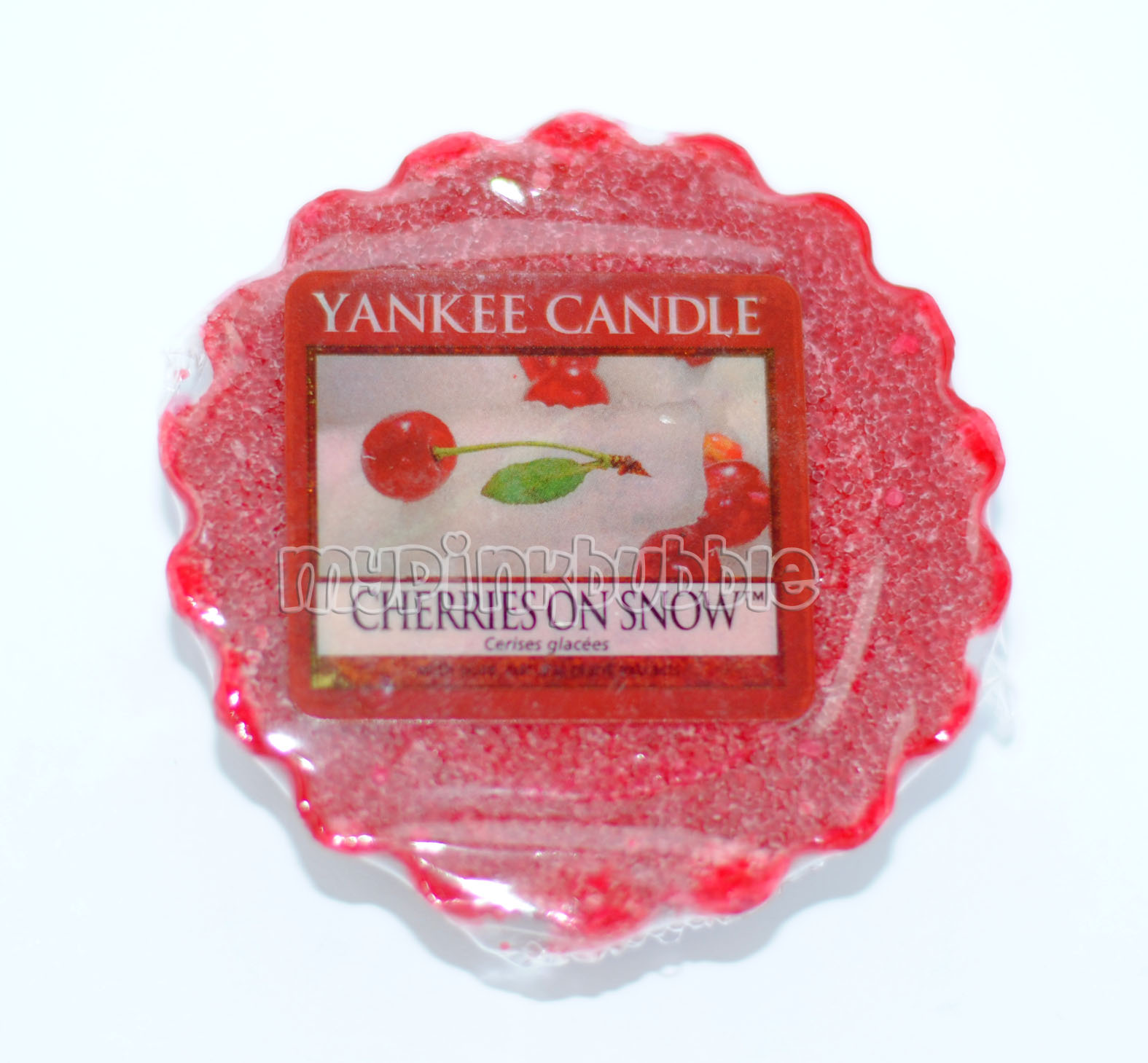 Yankee Candle Cherries on snow