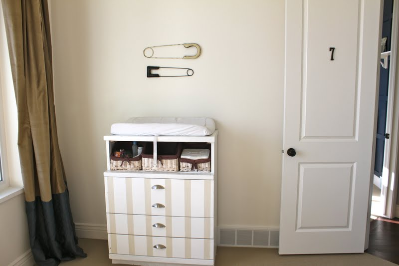 Safety pins decor for laundry room