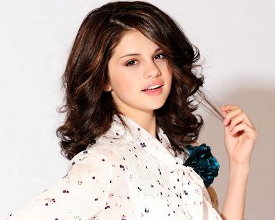 Selena Gomez Zimbio on Selena Gomez Free Sexy Wallpapers   Selena Gomez   Zimbio