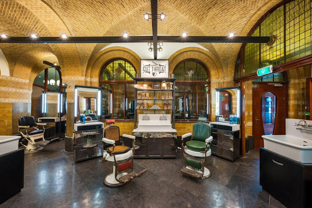 Green Pear Diaries, interiorismo, Cut Throat Barber and Cofee, Amsterdam, Tank