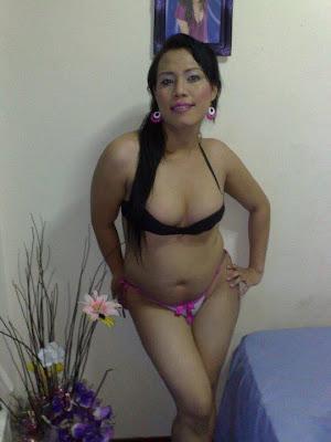 Cerita Dewasa - Nikmatnya Vagina Tante Mirsha
