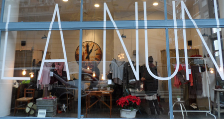 Catalina est divina la nun nueva tienda en el barrio de - Muebles epoca salamanca ...