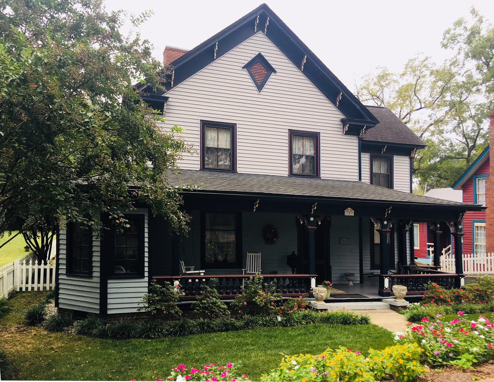 309 E. Bank Street, Salisbury NC 28144 ~ circa 1885 ~ $192,900