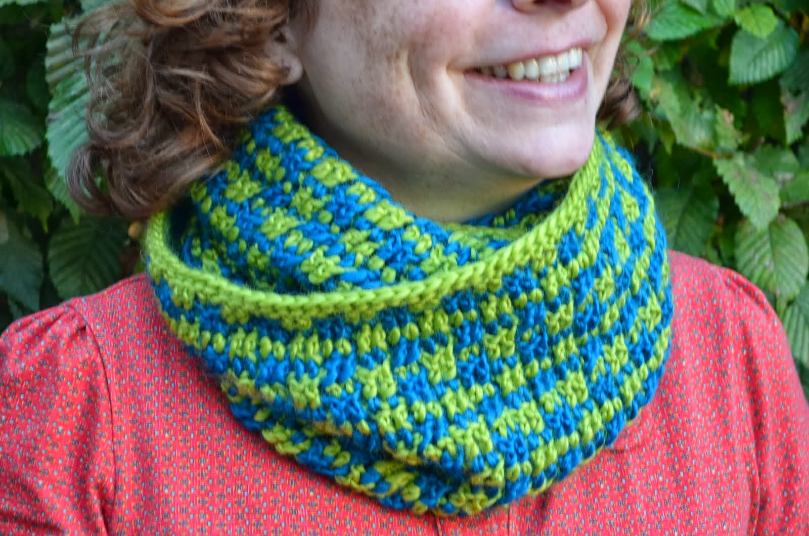 Pattern little cubes cowl