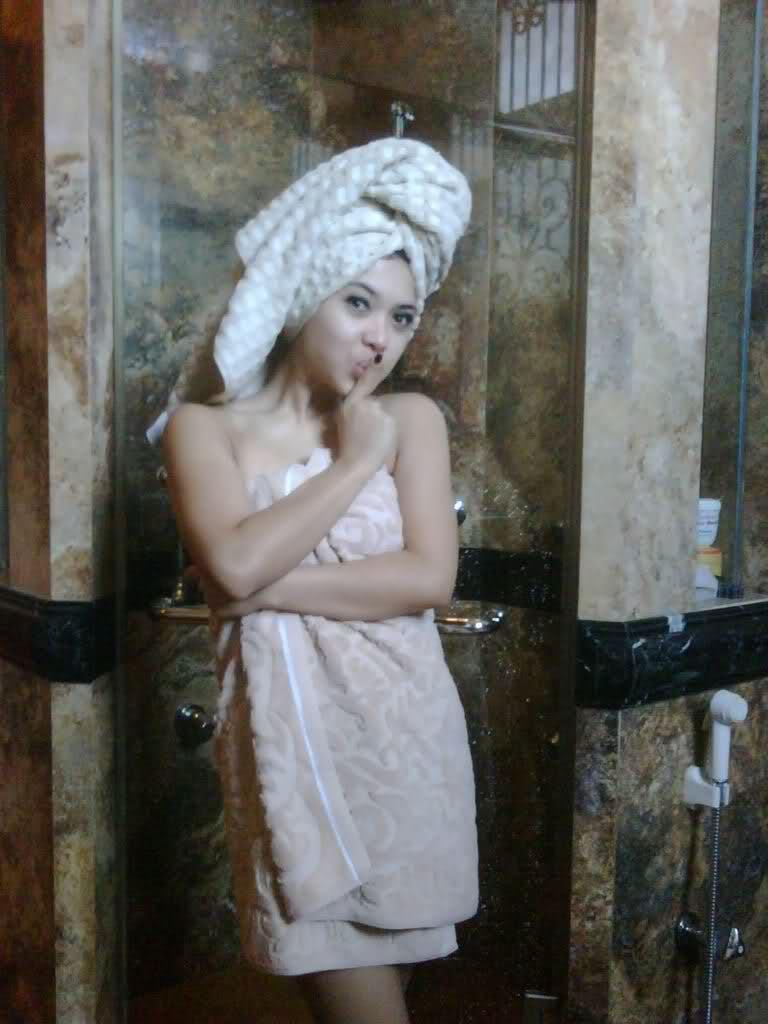 Artis Indonesia Bugil Syahrini