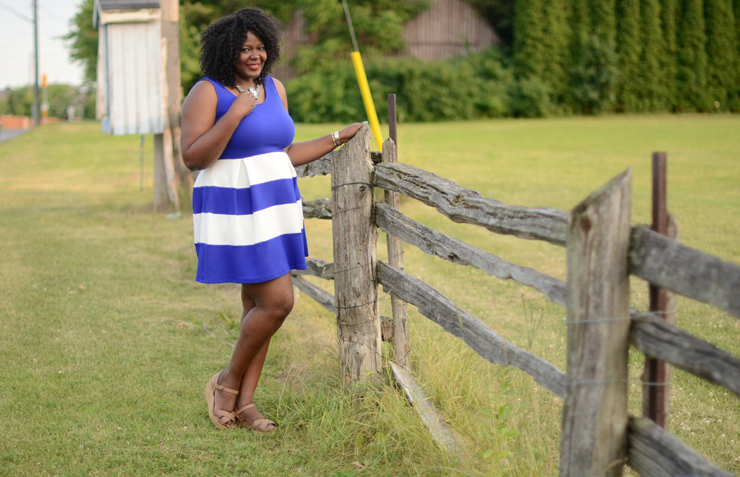 Plus size dresses for women #mycurvesandcurls #psbloggers  #Stripes #plussize #fashion #canadian