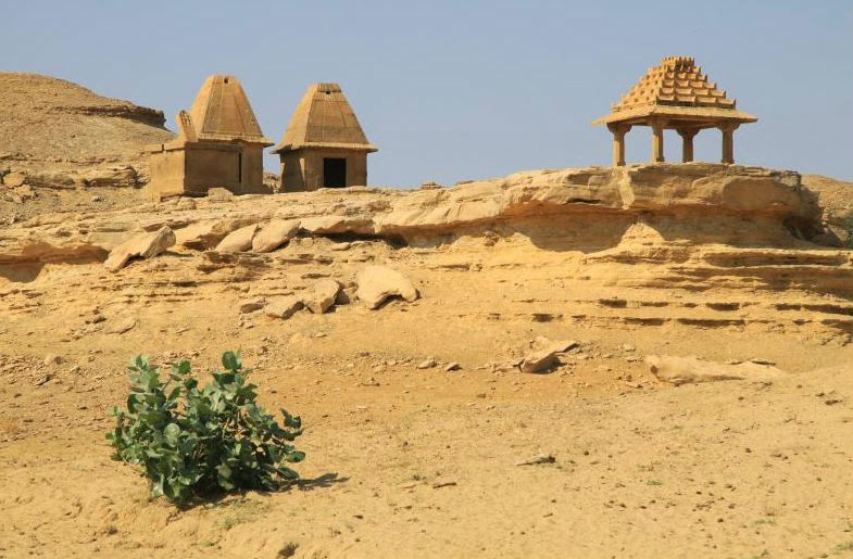 Structures in the barren wilderness of Kuldhara