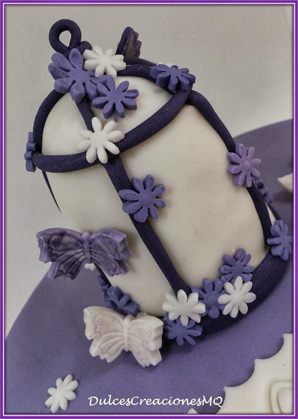 Tarta Jaula Primavera Pastel Torta Cumpleaños Flores Mariposas Lila Violeta Aniversario Mujer Niña Bizcocho Chocolate Esponjoso Buttercream Vainilla Crema Fondant