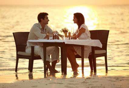 افضل الاماكن الرومانسية لقضاء الوقت مع الحبيب - موعد لقاء عاطفى غرامى الغروب - romantic date at sunset in water