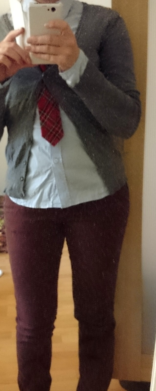 Outfit Bluse und Damenkrawatte