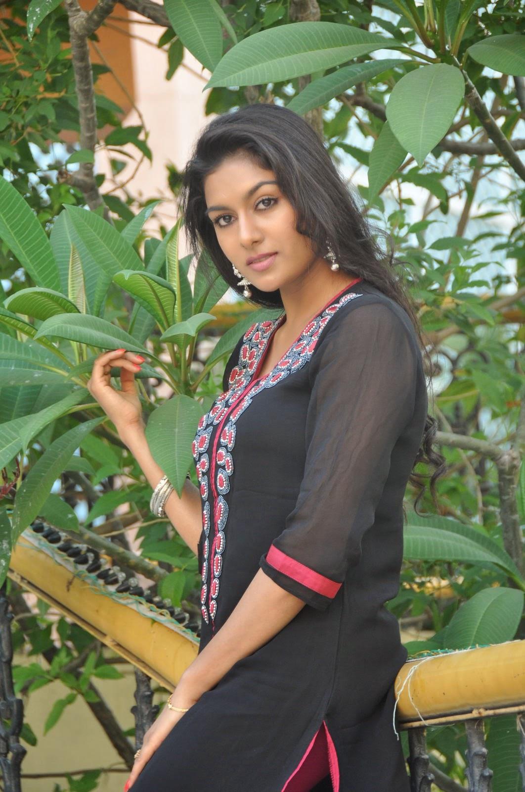 Akshaya glam photo shoot gallery-HQ-Photo-11