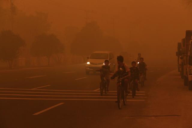 Ada korupsi di Balik Kabut Asap Indonesia