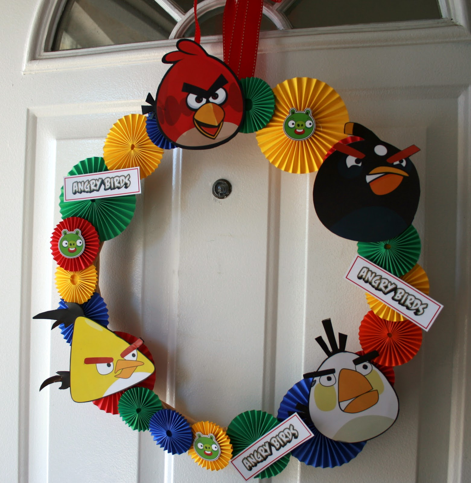 My creative ink angry bird party decorations for Angry birds party decoration ideas