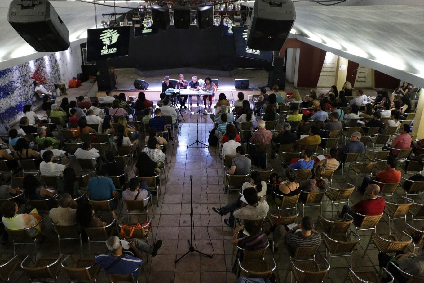 Salón plenario en El Sauce