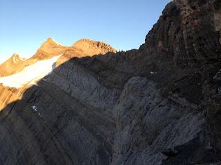 Der zweite Kessel; ganz links der Gipfel des Bifertenstocks