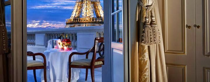 HABITACION DE HOTEL CON VISTA A LA TORRE EIFFEL SUITE