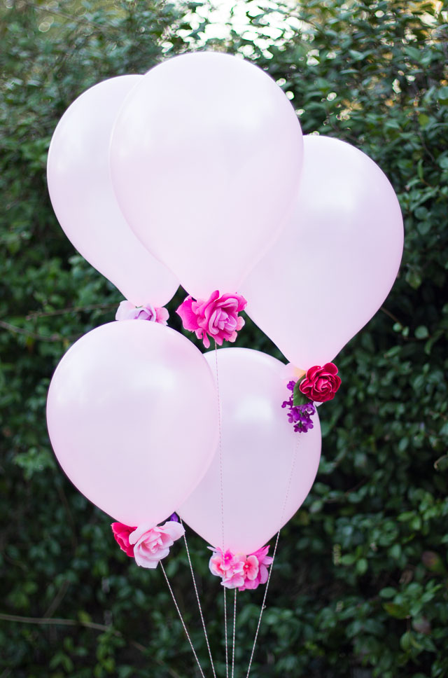 Flower Centerpiece With Balloons : Diy flower balloons design improvised
