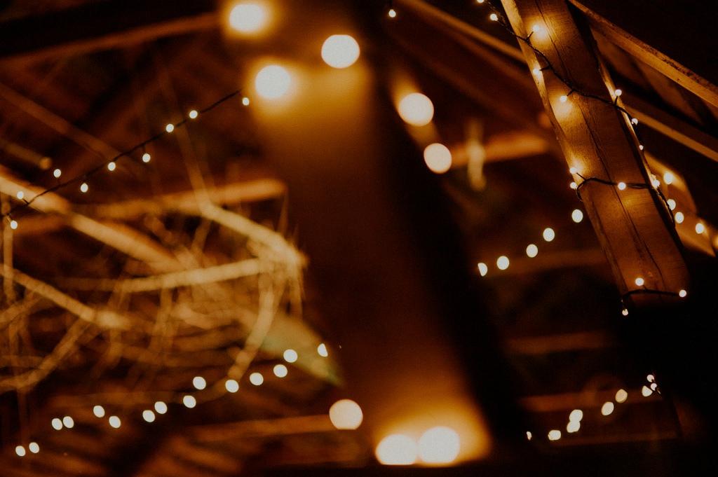 Ljusslingor i lada | Inspiration