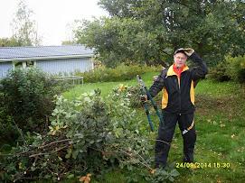 Puutarhuri- ja talonmiestöitä vuodenaikojen mukaan pihatöinä sopimuksen mukaan. Yhteys e-mailitse