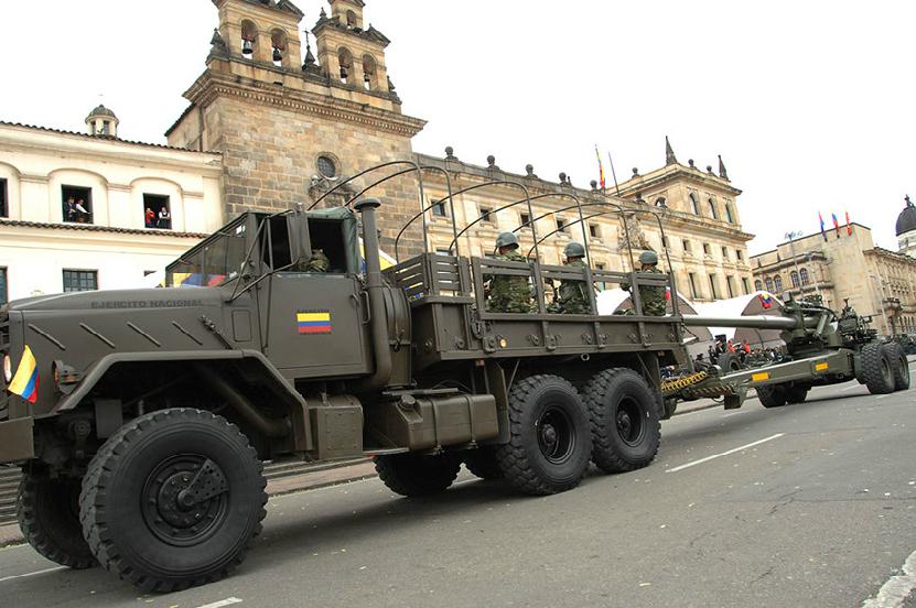 Armée Colombienne / Military Forces of Colombia / Fuerzas Militares de Colombia - Page 3 DESFILE+DIA+DE+LA+INDEPENDENCIA+COLOMBIA+EJERCITO+POLICIA+FUERZA+AEREA+ARMADA+6