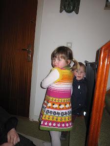Kjole jeg har strikket til Gaia Love .......
