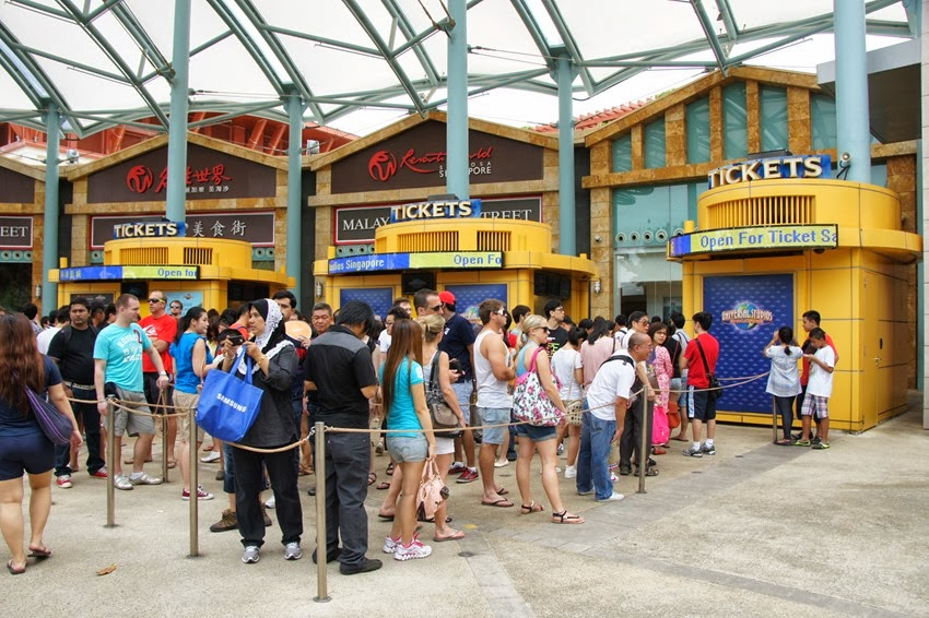 Sg Young Investment What Are Singaporeans Queuing Up For