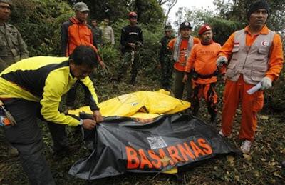Foto Korban Sukhoi Superjet 100 Gunung Salak