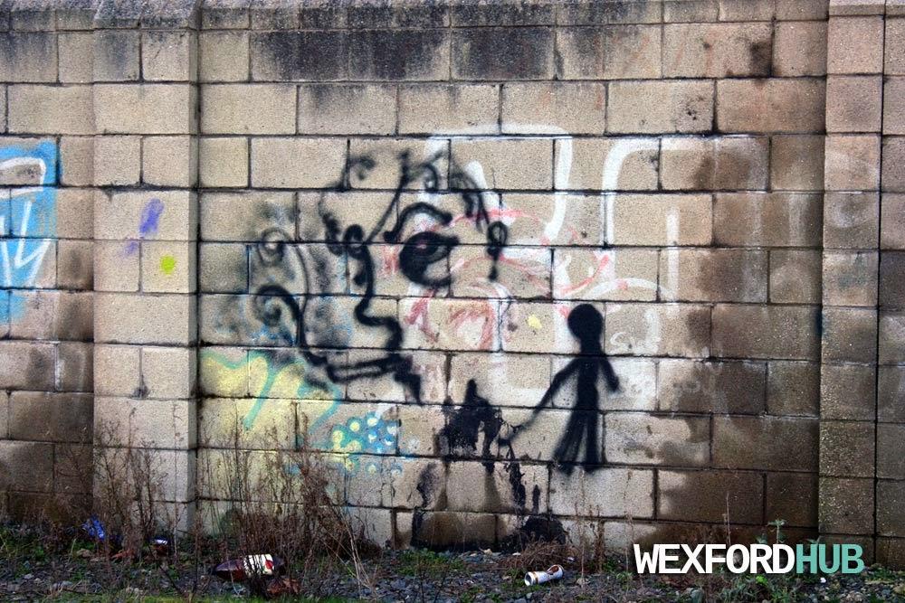 Woman smoking graffiti