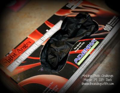 Black nitrile gloves for tattooing