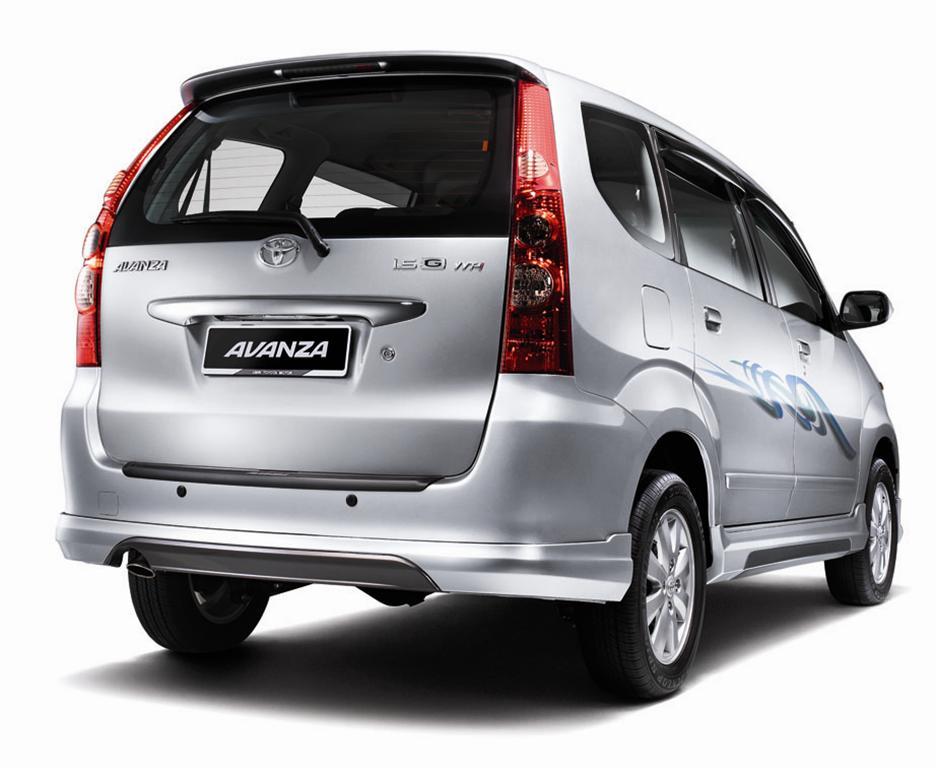 Toyota-Avanza-04-Rear.jpg