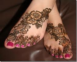 Colorful Mehandi Design for Leg